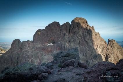 Capu Tafunatu vu depuis le flanc sud de Paglia Orba au lever du jour