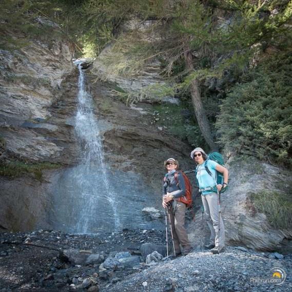 Une belle petite chute d'eau dans la vallée de Saint Véran