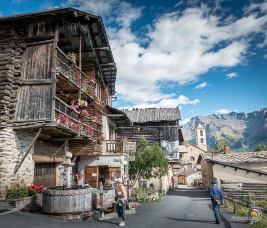 Saint Véran est un très joli et coloré village de montagne