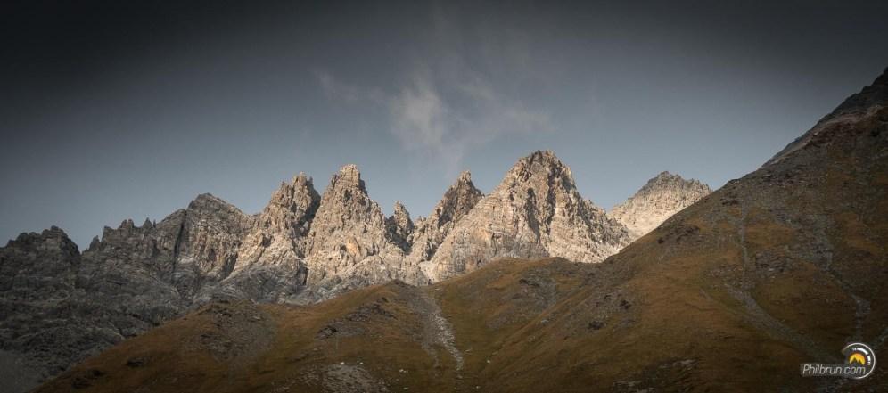 La dentelle de roches est du plus bel effet sur ces contreforts du Pic de Rochebrune