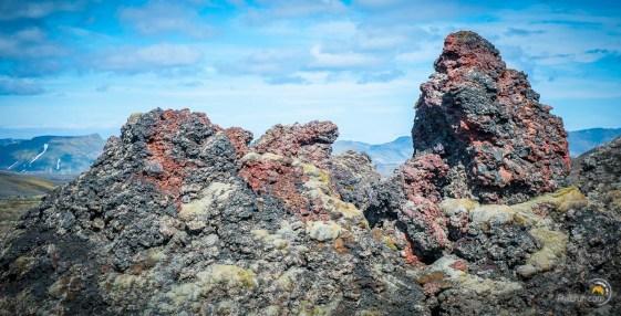 Les roches magmatiques pullulent au pied du Laki