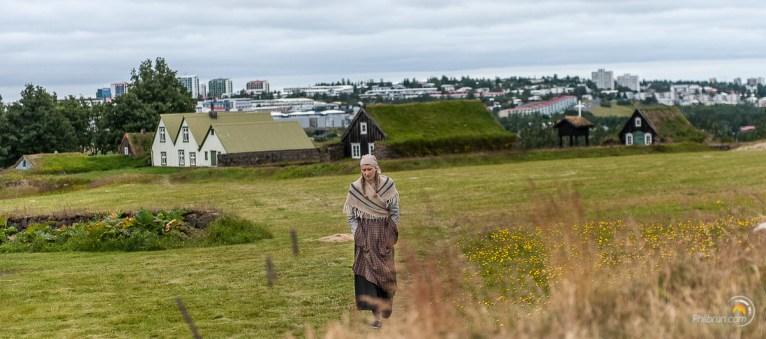 S'il n'y avait pas les immeubles de Reykjavik au fond on pourrait se croire à l'époque !
