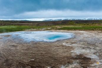Après quelques heures de piste nous découvrons ce bleu intense au coeur d'une vasque du site volcanique de Hveravellir