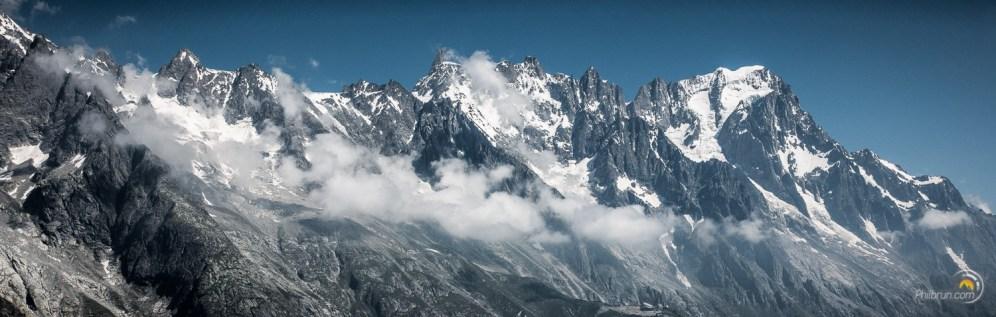 Le très beau versant Italien des grandes Jorasses.