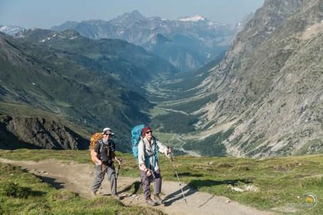 Monté au col Ferret et au fond le Val Ferret puis Courmayeur