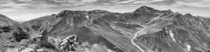 Ce panorama présente le fond de la vallée du Mont-Dore et son sommet le Puy de Sancy