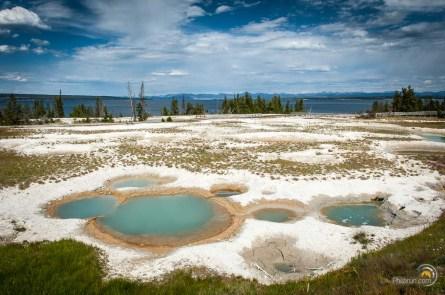Le grand lac de Yellowstone est bordé de zones volcaniques qui s'expriment également sous l'eau !