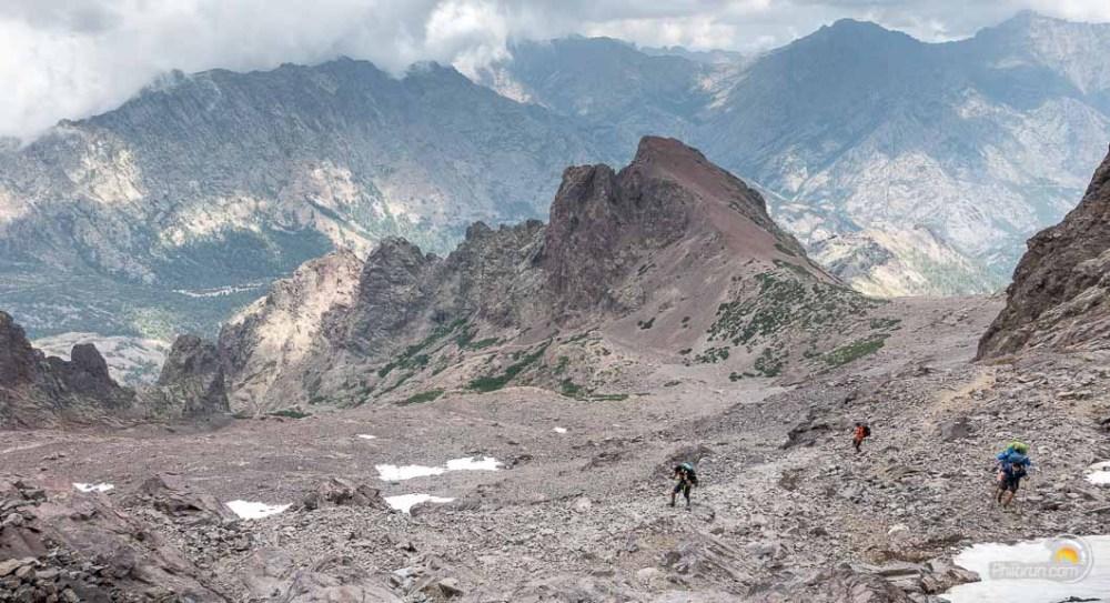 Sentier de descente vers Ascu stagnu