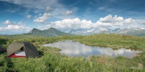 Bivouac avec vue sur le massif du Mont Blanc