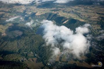 Lac de Chambon vu du ciel en ballon