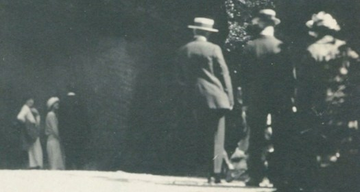 1920s people watchers