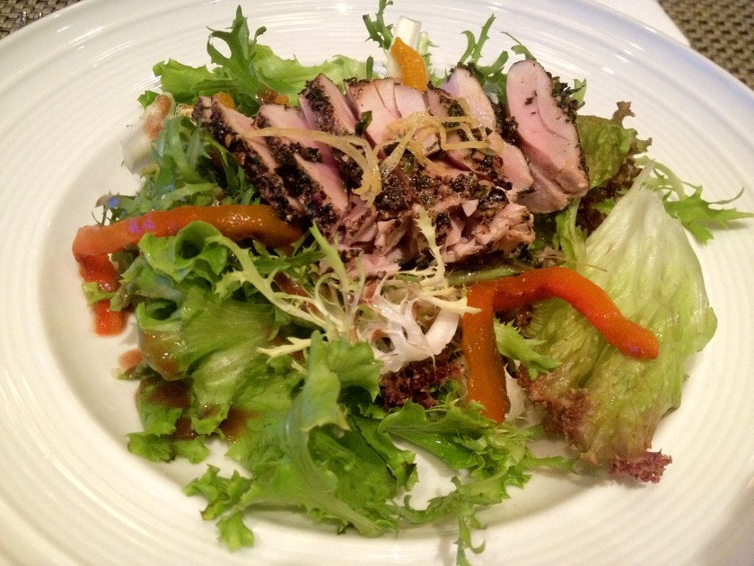 Salad with Peppered Tuna, String Beans, and Lemon Dressing