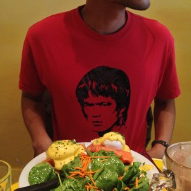 Bruce Lee Eating