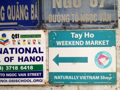 Tay Ho Weekend Market Sign