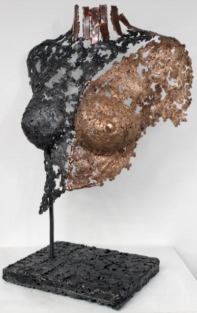 Sculpture de Philippe Buil en dentelle de Bronze et d'acier. Belisama Fabrine Hauteur 63 cm 8,8 Kg Piece unique