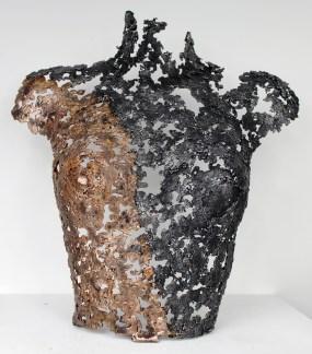 Sculpture de Philippe Buil en metal : dentelle de bronze et d'acier Belisama Clochette Hauteur 43 cm 2,7 Kg Piece unique