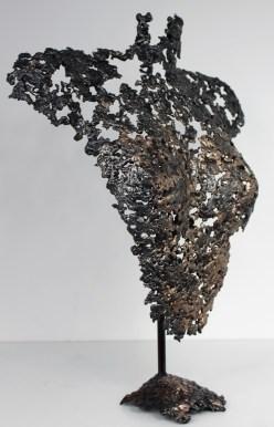 Sculpture de Philippe Buil en metal : dentelle de bronze et d'acier Buste de Femme Belisama Mariana Piece unique
