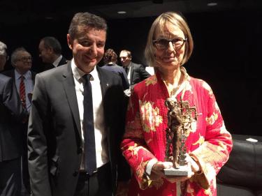muse de massenet - sculpture philippe buil - remise à françoise nyssen ministre de la culture par gael perdriau maire de saint etienne