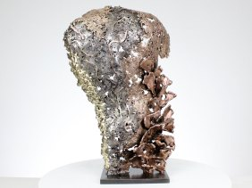 Sculpture représentant le torse d'un homme en métal : dentelle acier bronze et laiton Pavarti Robins - Pièce unique - Haut 40 cm Sculpture representing the torso of a man in metal: lace, bronze steel and brass Pavarti Robins - Unique piece - Height 40 cm