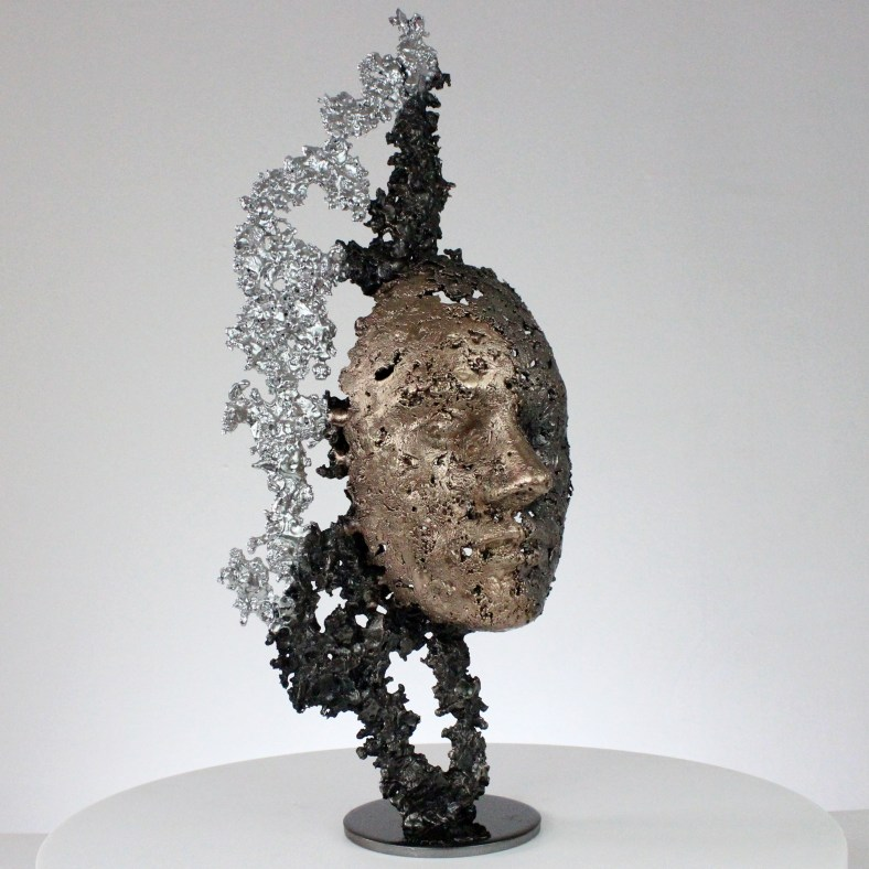 une larme sculpture visage metal acier bronze chrome a tear face sculpture metal steel bronze chrome philippe BUIL