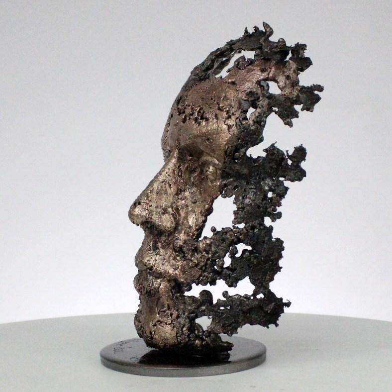 une larme sculpture visage metal acier bronze a tear face sculpture metal steel bronze philippe BUIL