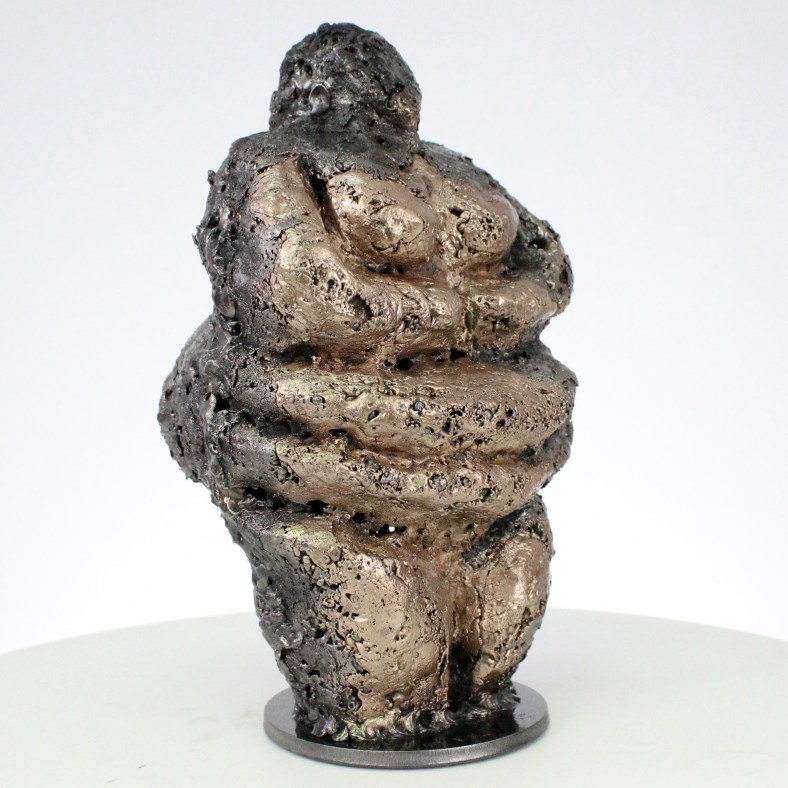 Pavarti Idole - Sculpture corps femme métal dentelle acier bronze - Body Idole woman metal artwork - lace steel, bronze - Buil