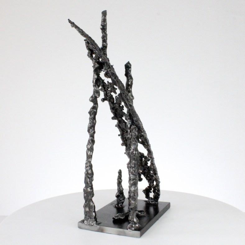 Trait de lumière I Abstraction - Sculpture Philippe Buil - Dentelle métal acier pigment fluo bleu - Light stroke Abstraction - Sculpture Philippe Buil - Metal lace steel pigment blue