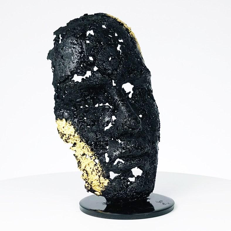 une larme 114-21- Sculpture tête métal Acier feuille d'or couleur noire - Sculpture head metal Steel gold leaf black color - Philippe Buil