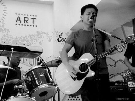 Photo of former Sugarfree vocalist Ebe Dancel, famous for songs such as Wag Ka Nang Umiyak and Hari ng Sablay