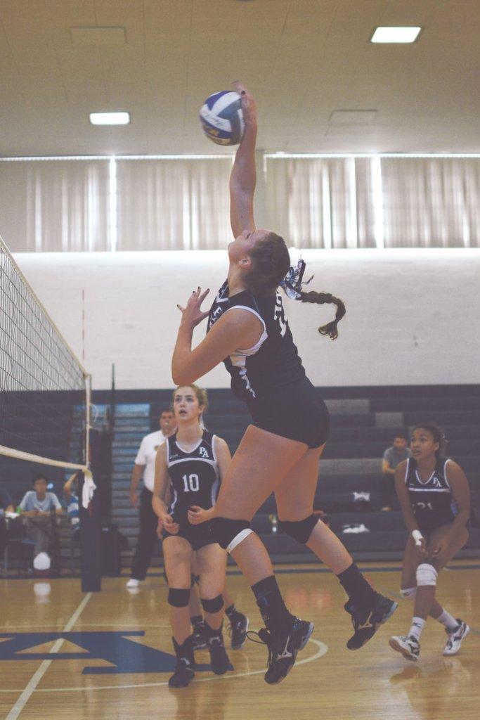Volleyball Extends Winning Streak to Six Games