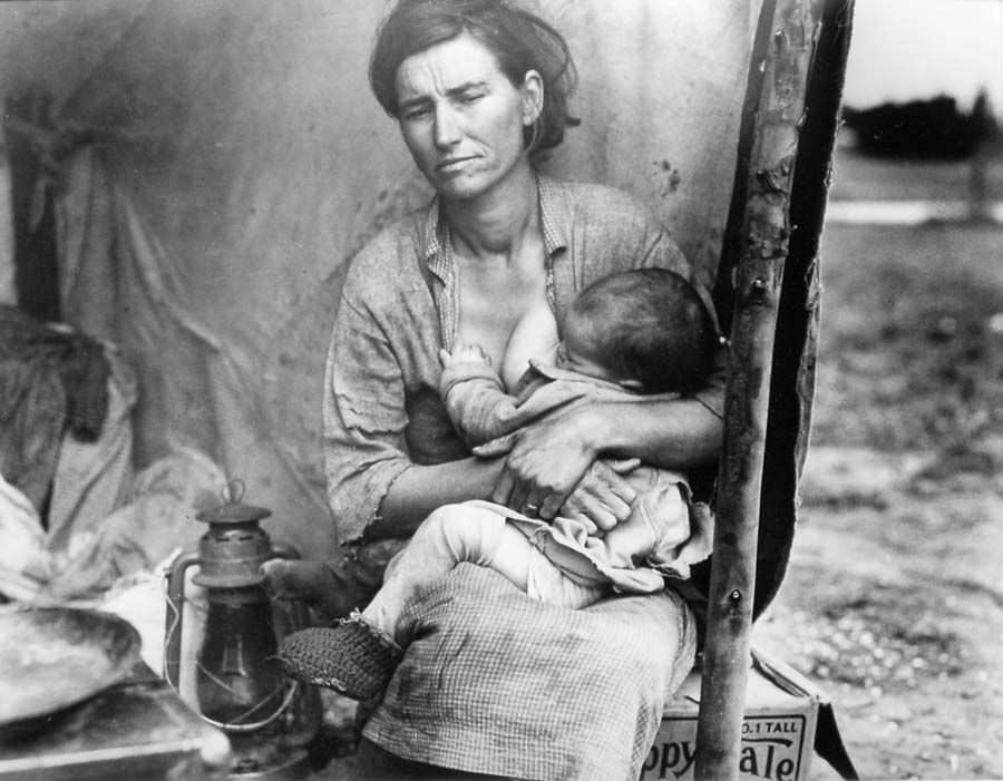 """Migrant Mother"" by Dorothea Lange, pictured above, depicts the hardships of immigrants in the West during the 1930s."