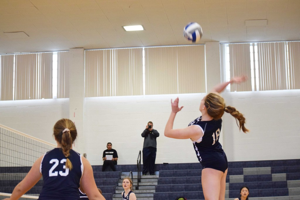 Volleyball Secures 3-2 Win Over Choate, Beats Nobles