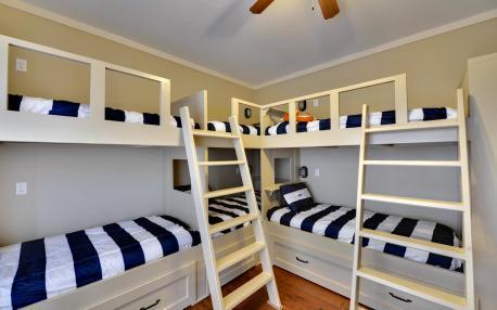 Built in bunks that sleep 6.