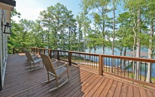 Open deck with a glorious view of the lake.