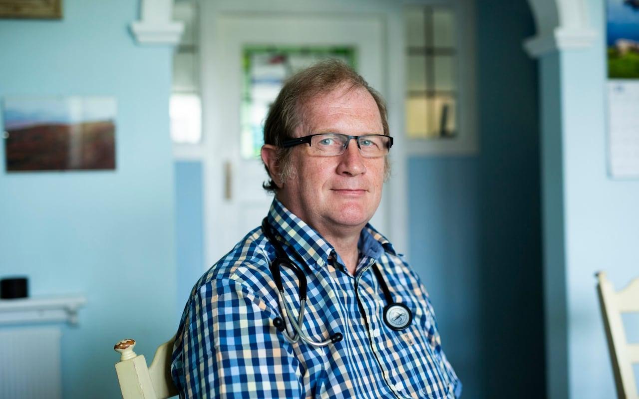 Dr Mackereth