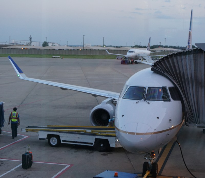 United Airlines ERJ-175 First Class