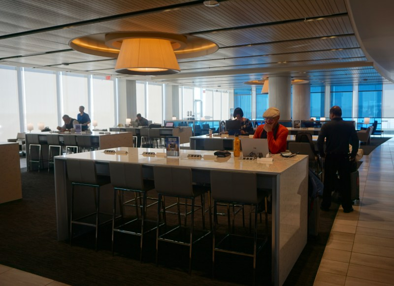 United Club LAX