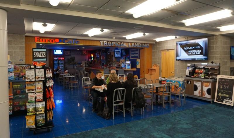 American Airlines (CRJ-900) Economy Class – Fort Walton Beach to Charlotte
