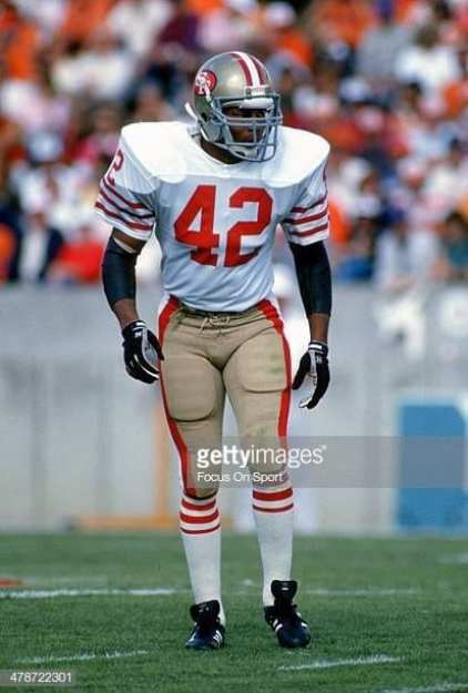 Ronnie Lott lined up for 49ers