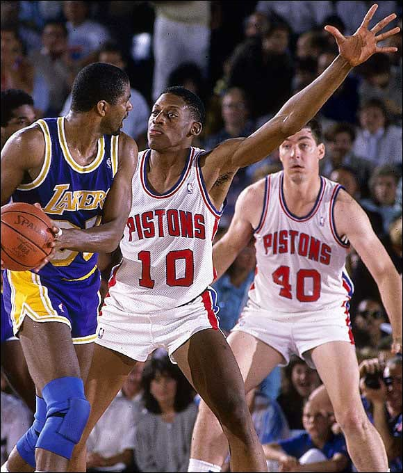 Magic Johnson bodied by Dennis Rodman in Detroit