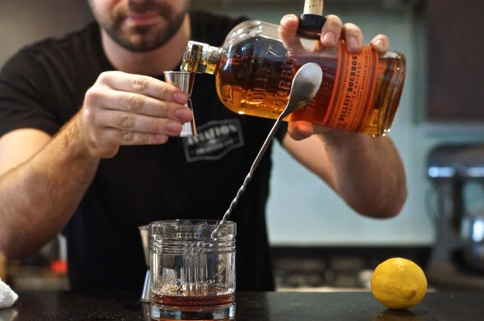 Home Bar Project How To Make An Old Fashioned Drink Philly The Best Happy Hours Drinks Bars In Philadelphia