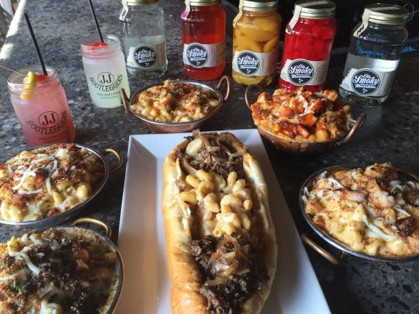 JJ Bootleggers Mac N Cheesesteak