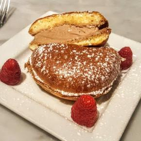 Gran Caffe L'Aquila Features Fall Ice Cream Sandwich