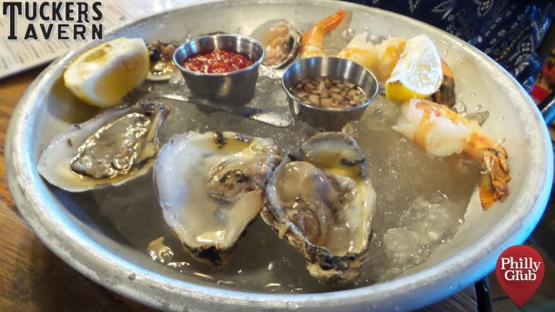 Tuckers Tavern A Lil Each Raw Bar Platter
