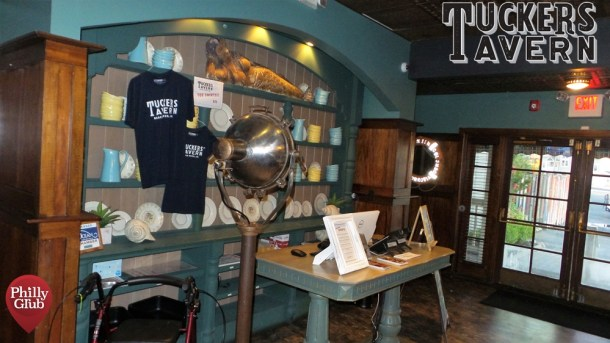 Tuckers Tavern Entrance Inside