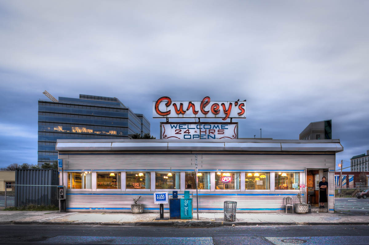 Curley's Diner - AA675