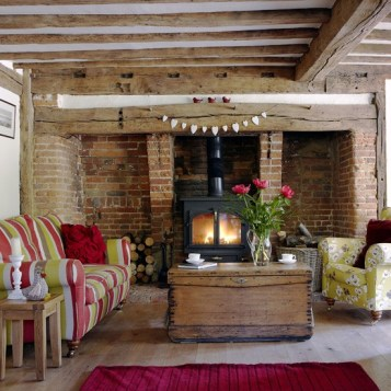 Colourful-country-living-room