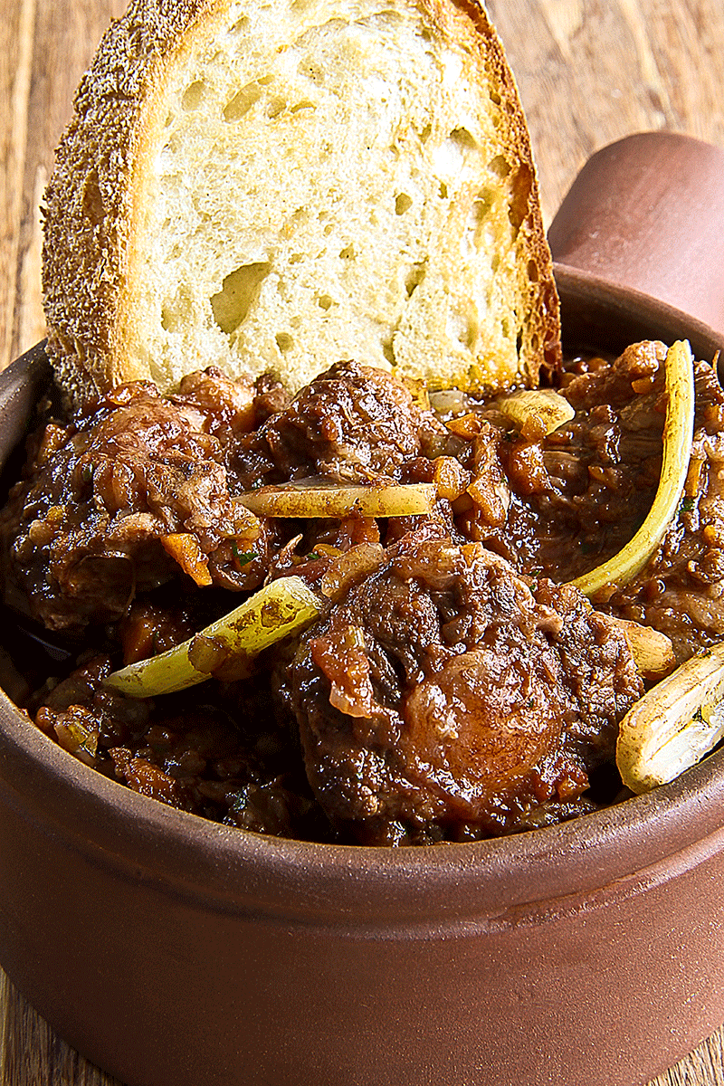 "TRADITIONAL ROMAN OXTAIL ""ALLA VACCINARA"""