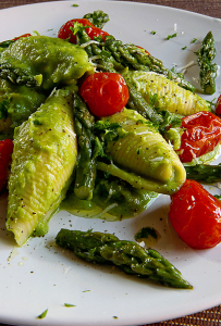 JUMBO SHELLS PASTA WITH CREAM OF ASPARAGUS and home-baked grape tomatoes
