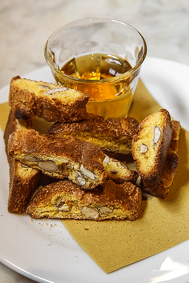 Cantucci with vin santo - where to eat in Florence, Tuscan, Italy